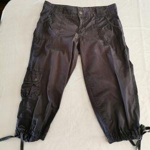 Calvin Klein Jeans Gray Capris Pants Size 8